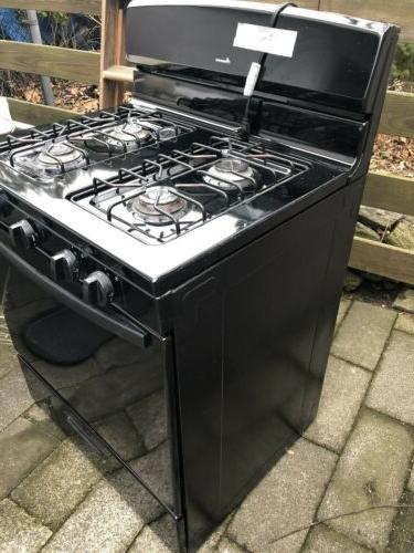 Amana STOVE black range very good condition