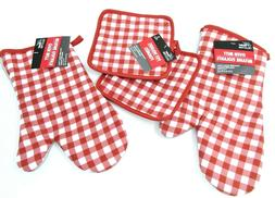 Oven Mitts, Pot Holders, 4 piece set, Red and White Check